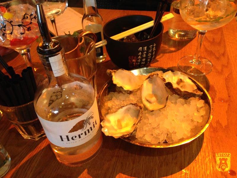 Gin & Tonic: oesters & gin-tonic (1480|FoodBar)