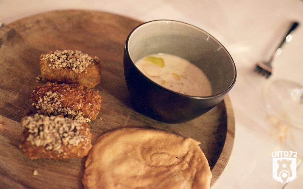 Fernando's Alkmaar: knoflooksoep met paddenstoelenkroket