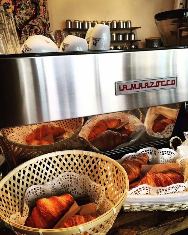 Gonzalez: koffie en croissants