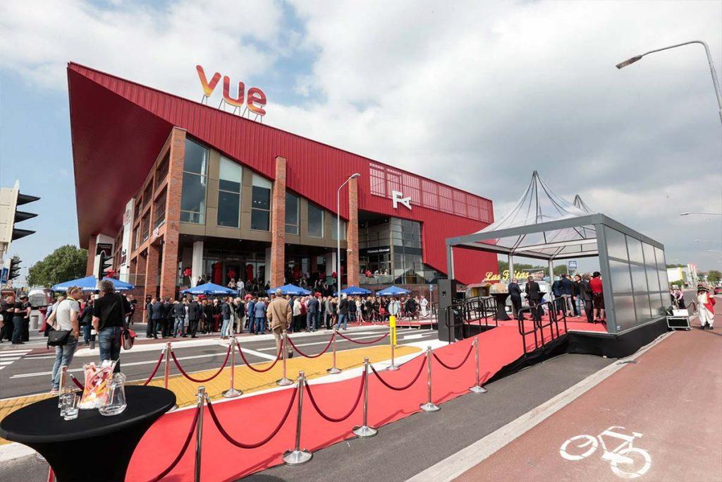 Vue Alkmaar - rode loper bij opening
