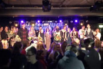 Just Sing deelnemers op podium