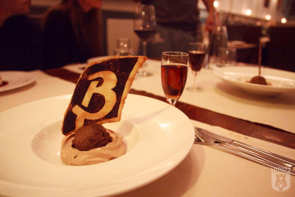 Chocolade ijs met mokkaschuim @ Le Bon (Alkmaar)