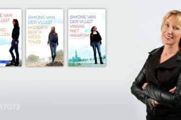 Simone van der Vlugt met boeken over Alkmaar