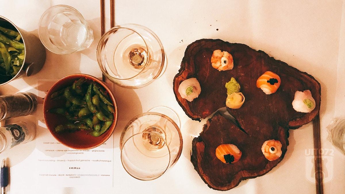 Temari sushi mix met gamba's, zalm en zeebaars