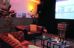 Spotlight karaoke room binnen
