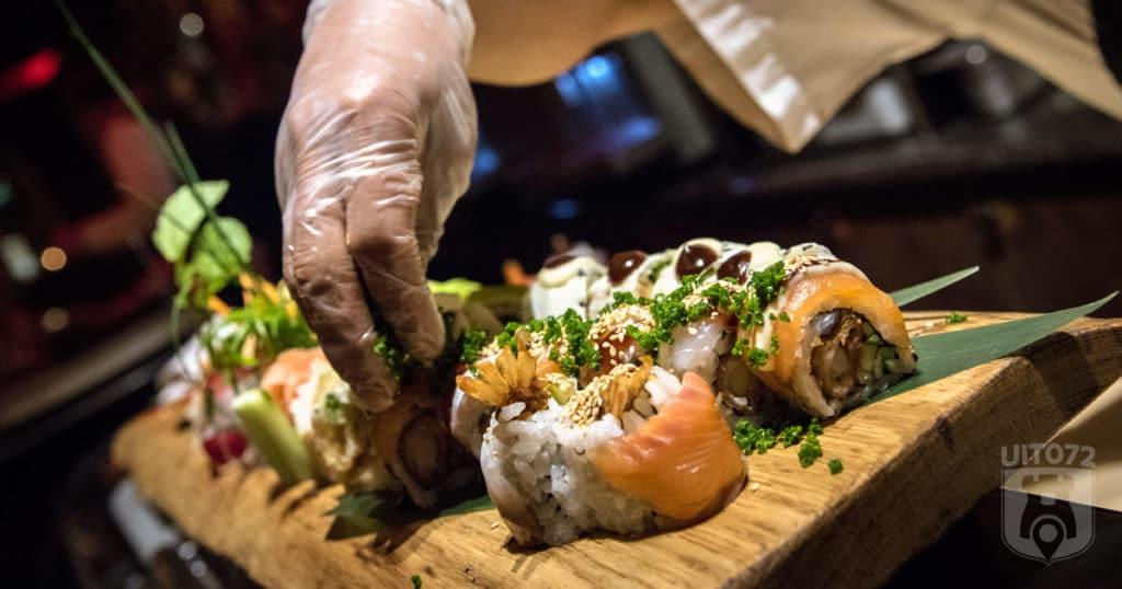 Sushi wordt bereid bij Bubbels & Bites