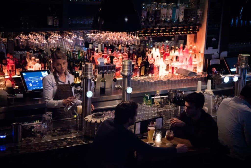 De bar bij Mojo's