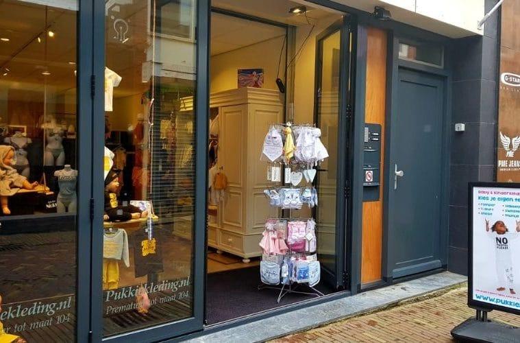Pukkiekleding Alkmaar voorkant
