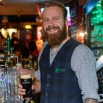 "Bartender Dianto van Gunnery's Irish Pub: ""Gezelligheid, daar hou ik wel van"""