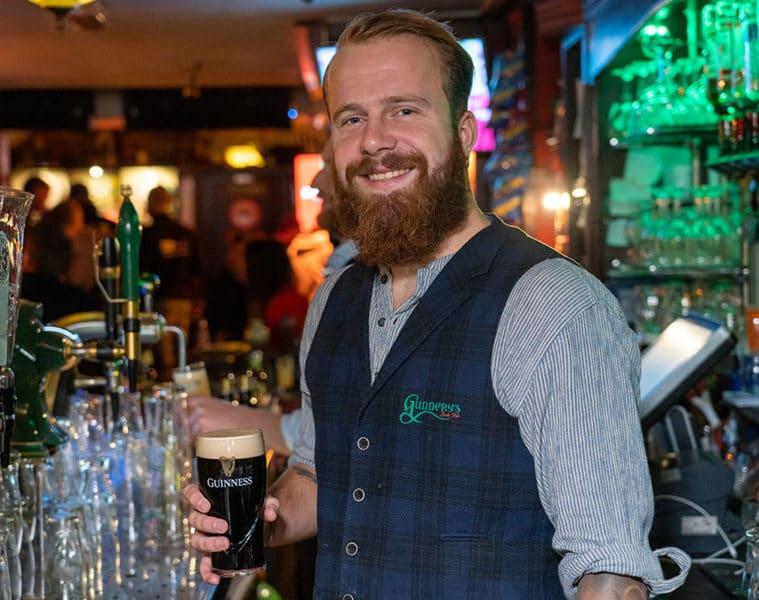 Dianto - Gunnery's Irish Pub (leukste bartender van Alkmaar)