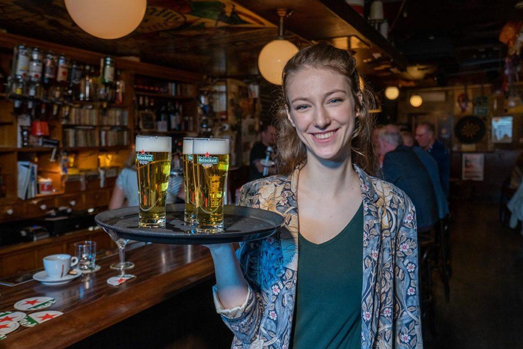 Isa -Café De Pilaren (leukste bartender van Alkmaar)