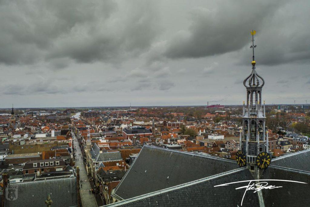 Grote Kerk en Binnenstad Alkmaar van boven