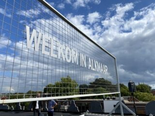 Welkom in Alkmaar op dak in Amersfoort