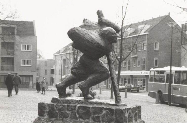 Maarten van der Meij standbeeld met polsstok