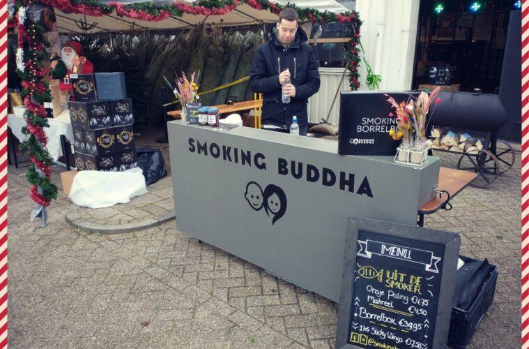 Kerstomen Drive Through Alkmaar Smoking Buddha