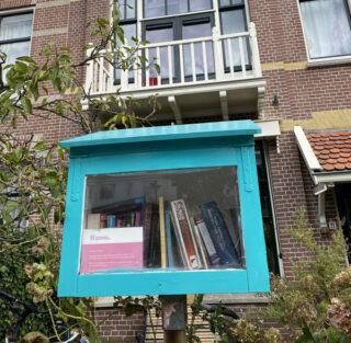 Minibieb aan de Metiusgracht in Alkmaar